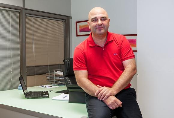 El Dr. Oscar Egea